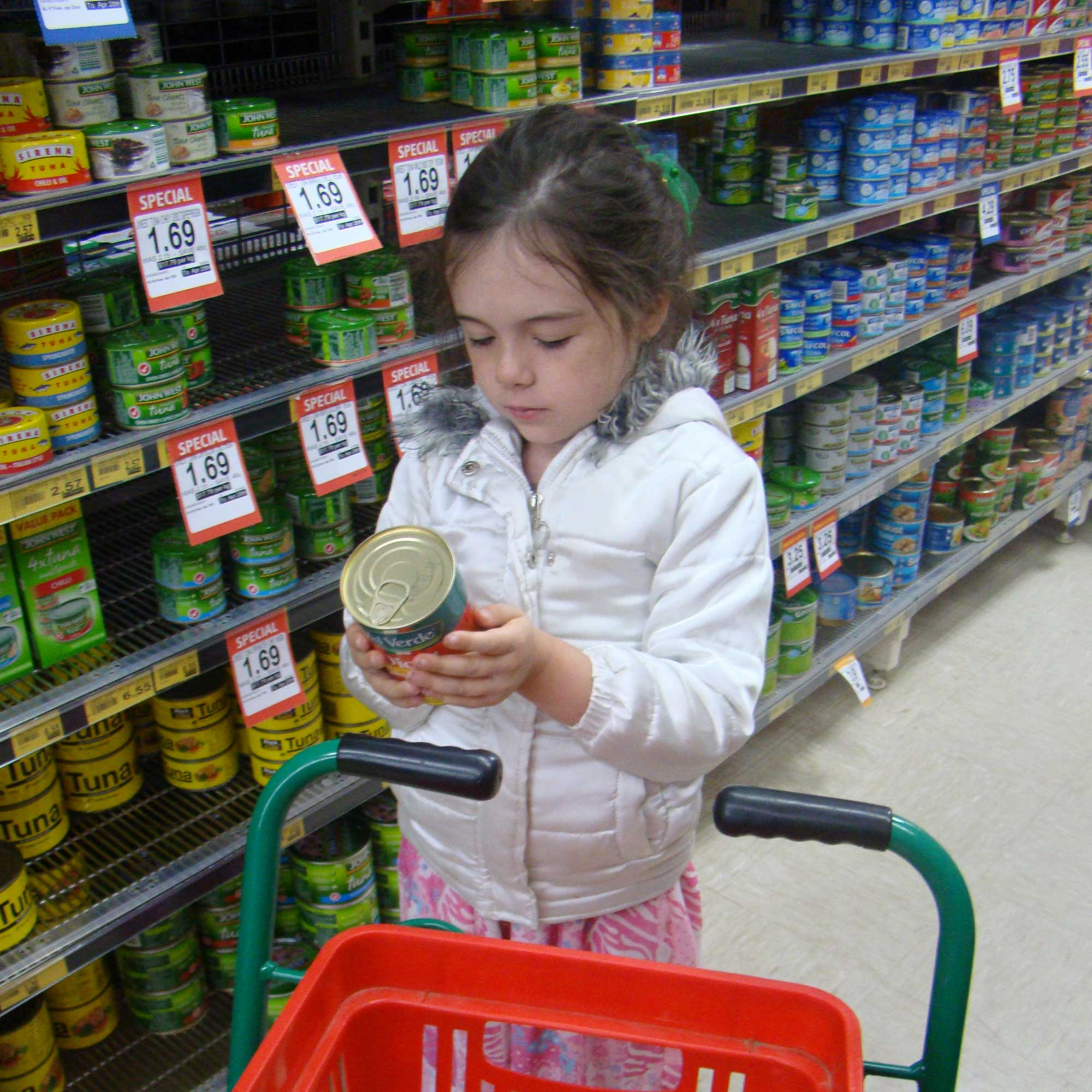 Tookii things to do with kids shopping one of the activities for kids