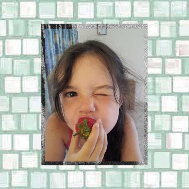 Tookii eating strawberries