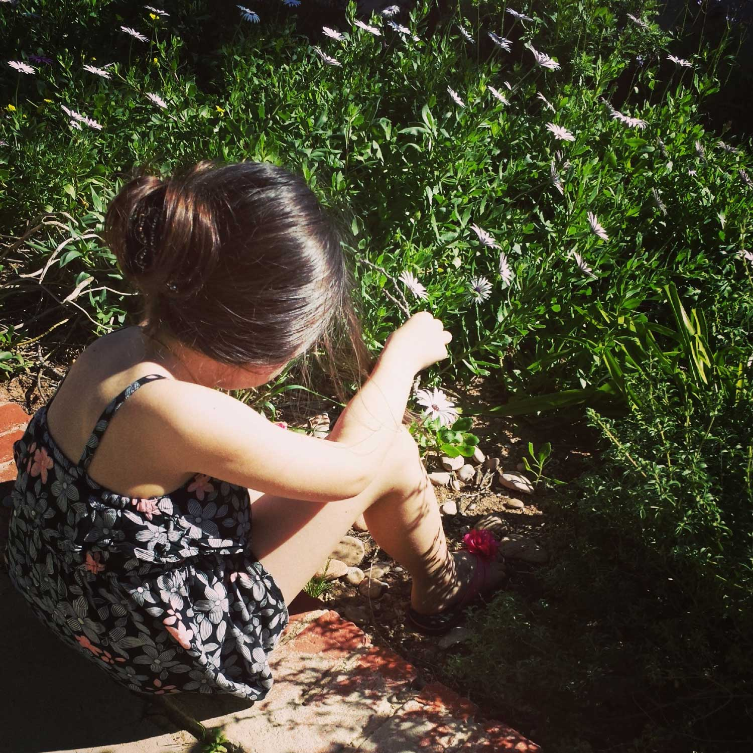 Tookii things to do with kids sitting in the garden one of the outdoor activities for kids