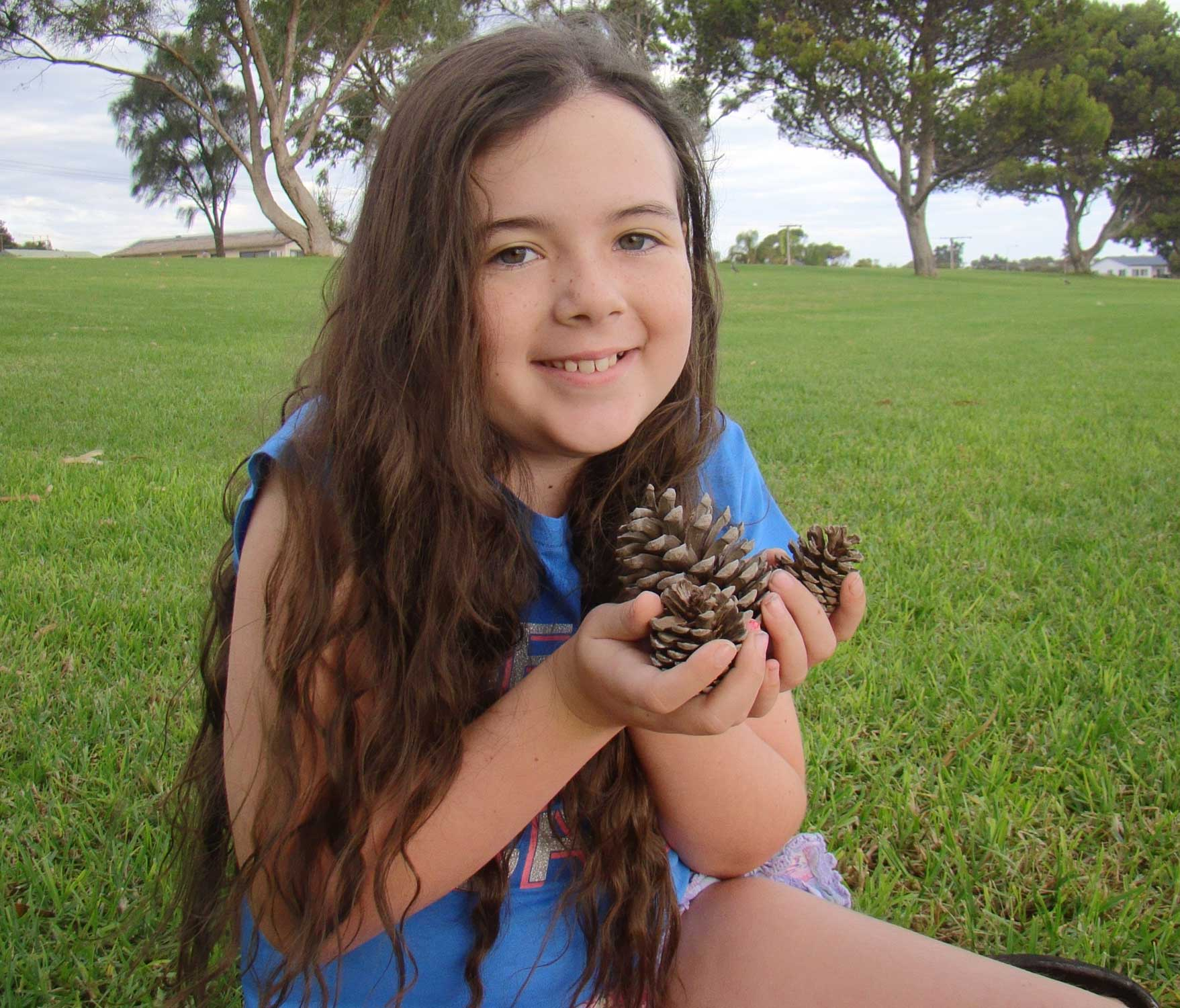 Tookii things to do with kids pine cones one of the outdoor activities for kids