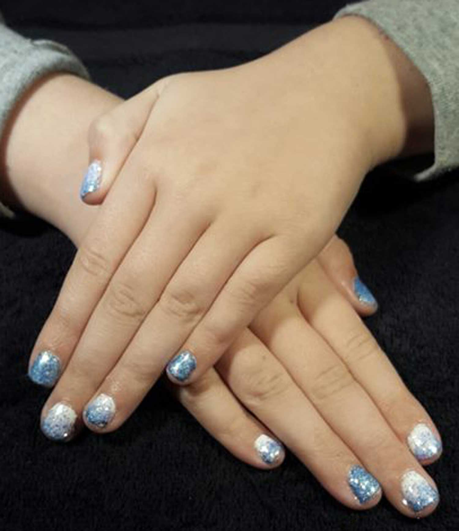 Tookii things to do with kids Frozen nail art one of the activities for kids